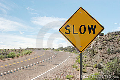 slow-traffic-sign-1765692